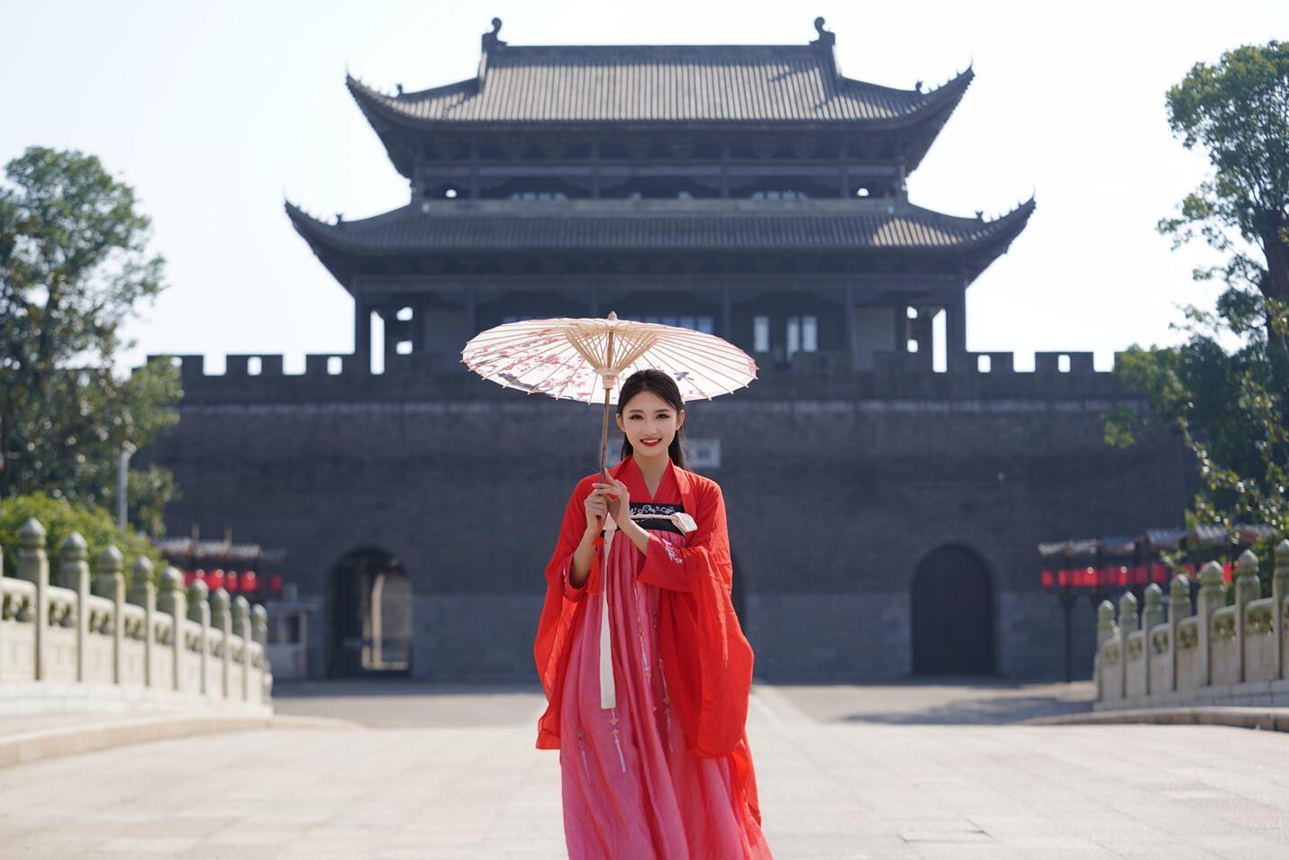 2020世界旅游小姐冠军出炉 (2).jpg