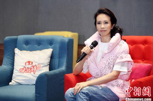 《天籁之战2》总决赛录制 张杰庆生秀谢娜手工熊