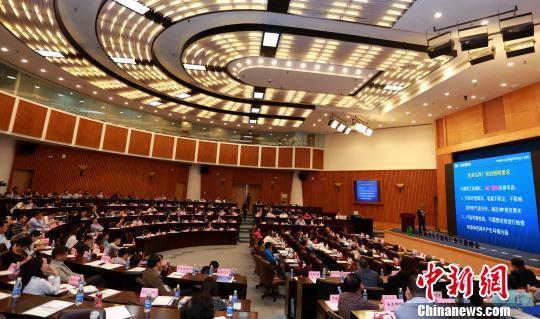 """中国制药产业汇聚厦门寻求提升质量""""源""""动力"""