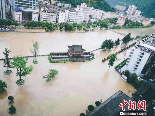 略阳遭遇持续暴雨。 略阳县委宣传部