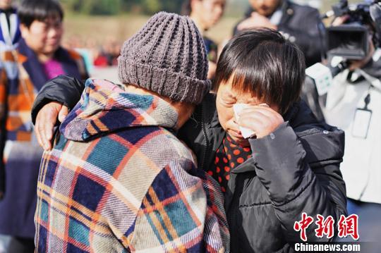 四川一女子17岁时被拐卖26年后终与家人团聚