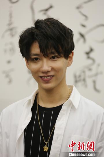 知名新生代青年演员贾征宇担当主演。 任海霞 摄