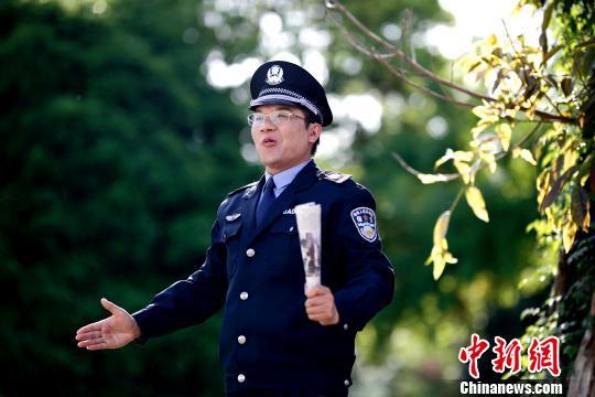 彭博作为男主角拍摄电影《彭博的演讲》。受访者 供图