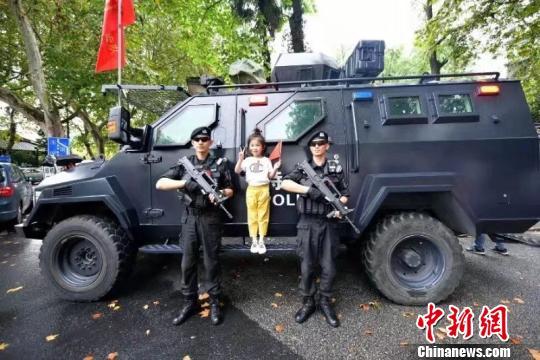 """""""网红""""杭州平稳度假刑事、治安警情同比降3成以上"""