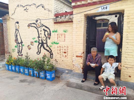 昔阳县在做好植绿、添亮、造景的基础上,更加注重在文化内涵提升上下功夫。 刘小红 摄