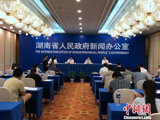 湖南5年411万农村人口脱贫贫困地区融入4小时经济圈
