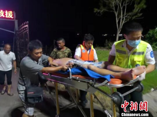 浙江临海海事部门连夜紧急救援两名突发疾病船员