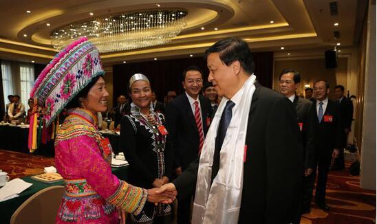 云南省代表团举行全体会议讨论党的十九大报告 刘云山参加讨论